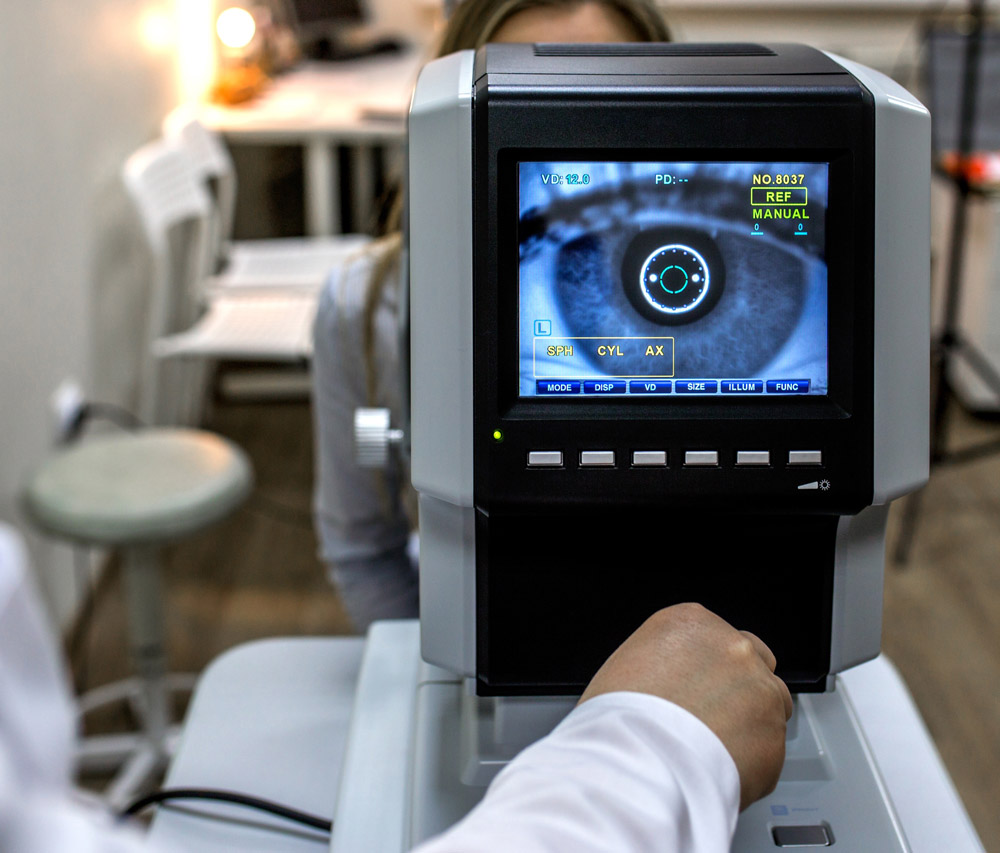 digital eye exam machine
